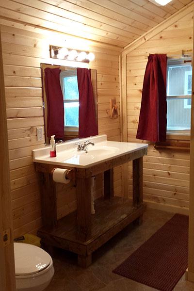 Cabin 1 (Cedar) bathroom.