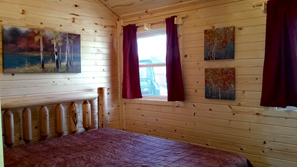 Cabin 2 (Pine) bedroom 2.