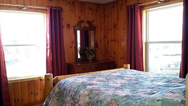 Peninsula Pines Resort Main House Bedroom 1.