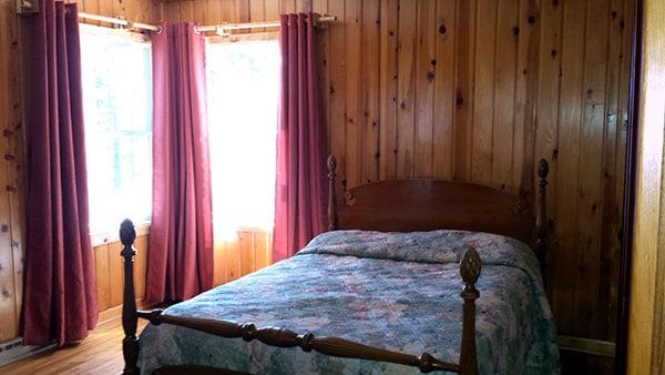 Peninsula Pines Resort Main House Bedroom 2.